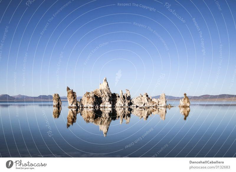 silence of the tufas... Natur Landschaft Wasser Wolkenloser Himmel Klima Schönes Wetter Seeufer Mono Lake Tuffstein Tuffschicht Reflexion & Spiegelung ruhig