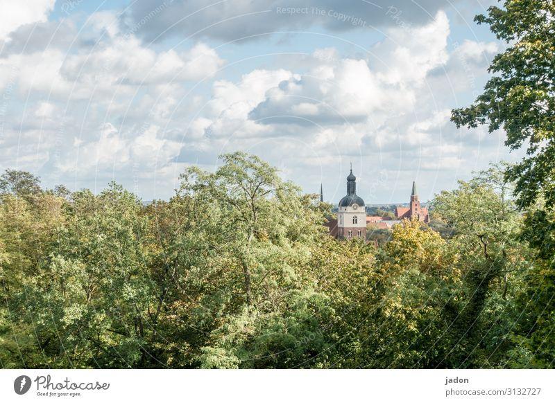 stadtbild. elegant Stil Tourismus Gemälde Natur Landschaft Wolken Herbst Baum Sträucher Wald Hügel Stadt Altstadt Skyline Kirche Dom Gebäude Architektur