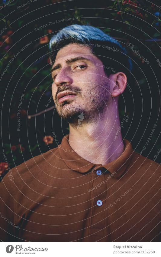 """Dunkles Porträt eines Mannes. Gesicht Mensch Erwachsene 1 30-45 Jahre Herbst Sträucher Mode Hemd Vollbart dunkel braun schwarz selbstbewußt Hochmut """"Portrait"""