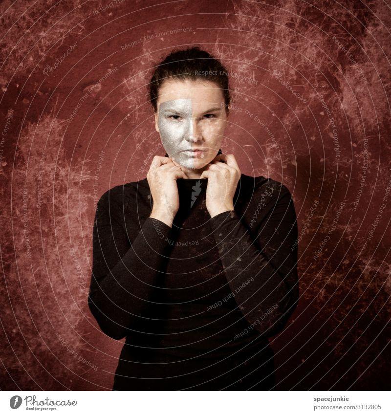 Silver (2) Frau Mensch Jugendliche Junge Frau rot dunkel schwarz 18-30 Jahre Erwachsene feminin außergewöhnlich Mode Tod Kraft beobachten bedrohlich