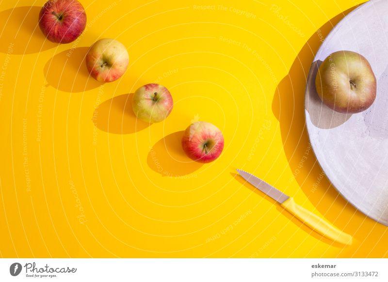 apples Lebensmittel Frucht Apfel Ernährung Bioprodukte Vegetarische Ernährung Diät frisch Gesundheit lecker viele gelb rot genießen mehrere flatlay knolling