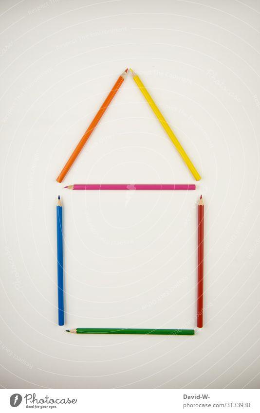 Hausaufgaben - Buntstifte sortiert in Form eines Hauses häuslich Kreativität kreativ Kontext Konzept Kunst farbenfroh Bildung Design Farbe Hintergrund Schule