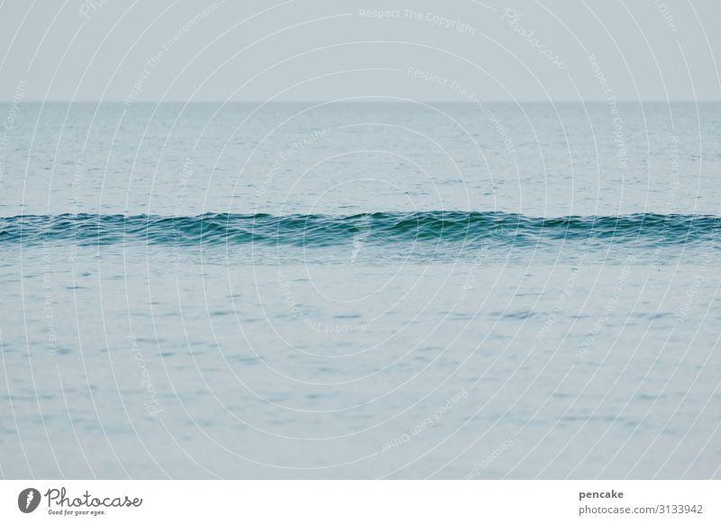 wellenlang Himmel Natur Wasser Landschaft Einsamkeit ruhig klein Wellen trist Urelemente Ostsee Langeweile Windstille flau Lebenslinie