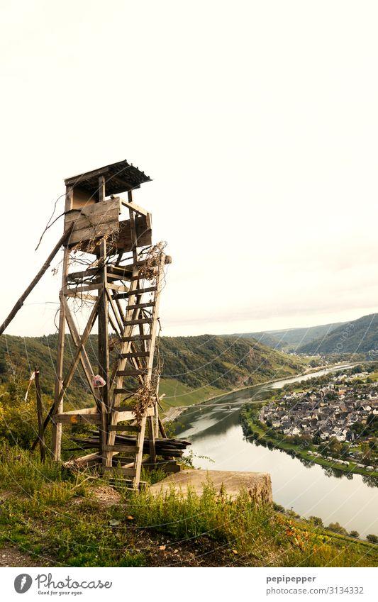 Hochsitz mit Blick auf die Mosel Freizeit & Hobby Ferien & Urlaub & Reisen Tourismus Ferne Sightseeing Berge u. Gebirge Jäger Natur Landschaft Himmel Pflanze