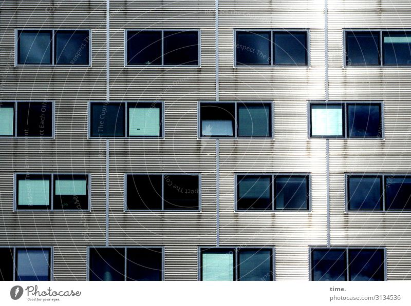 Nachbarschaften (V) Berlin Haus Architektur Mauer Wand Fassade Fenster Jalousie Vorhang Linie Streifen Coolness eckig kalt blau grau türkis Einsamkeit