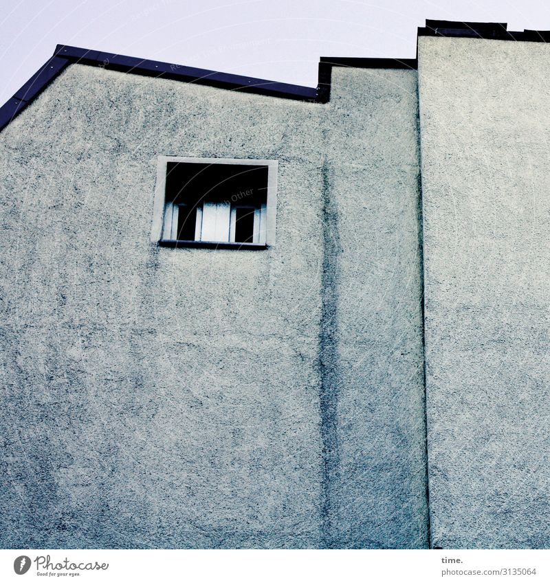 blue note Häusliches Leben Wohnung Haus Architektur Mauer Wand Fenster einfach blau Neugier Traurigkeit Schmerz Scham ästhetisch Einsamkeit entdecken