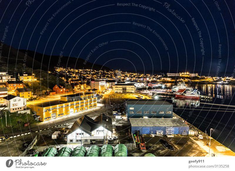 Honningsvag bei Nacht (Norwegen) Ferien & Urlaub & Reisen Tourismus Ausflug Abenteuer Ferne Freiheit Städtereise Kreuzfahrt Wasser Horizont Kleinstadt