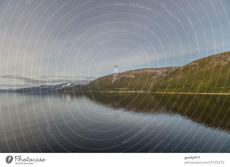 Norwegens Küstenlinie Himmel Ferien & Urlaub & Reisen Natur schön Wasser Landschaft Erholung Wolken Einsamkeit Ferne Berge u. Gebirge Tourismus Freiheit Ausflug