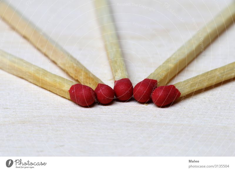 Symbol der Gefahr weiß Hintergrundbild gefährlich Risiko Spielen Symbole & Metaphern Konzert Dinge Holz brennen Streichholz Makroaufnahme brennbar Wärme Rauch