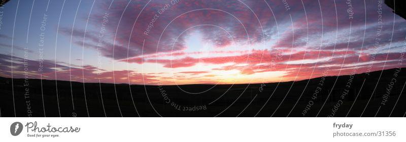 Sunset Panorama (Aussicht) Weitwinkel Sonnenuntergang Sonnenstrahlen Wolken rot blau groß Panorama (Bildformat)