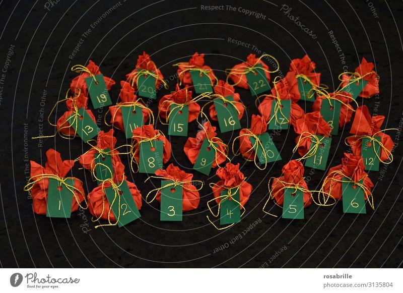 Adventskalender einpacken | Fingerspitzengefühl Freude Basteln Feste & Feiern Weihnachten & Advent Paket Sack Ziffern & Zahlen klein grün rot schwarz Vorfreude