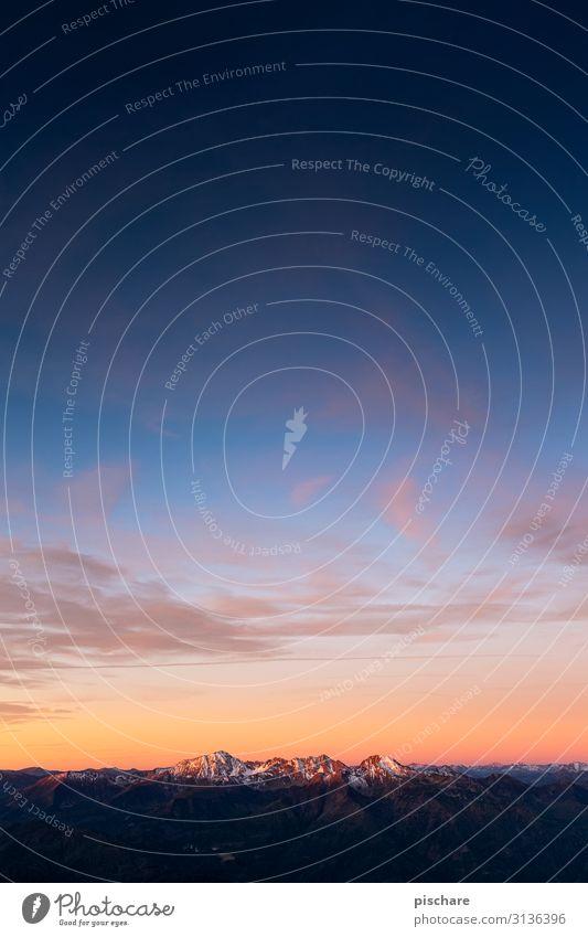 The Sky is the Limit Natur Landschaft Wolkenloser Himmel Sonnenaufgang Sonnenuntergang Alpen Berge u. Gebirge Gipfel Schneebedeckte Gipfel natürlich Abenteuer