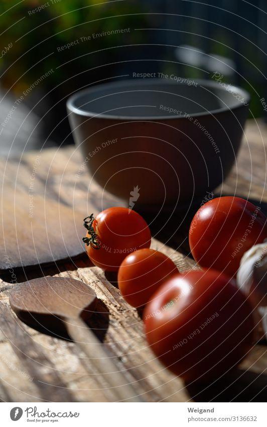 Tomaten Lebensmittel Gemüse Salat Salatbeilage Mittagessen Bioprodukte Vegetarische Ernährung Slowfood Schalen & Schüsseln lecker rot Warmherzigkeit Kochlöffel
