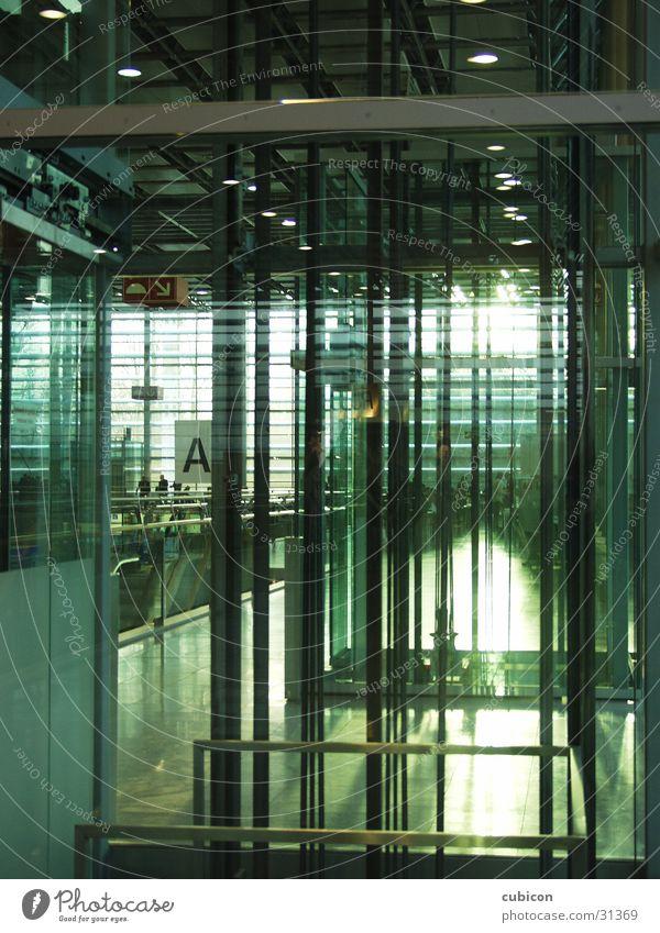 aufzug Linie Architektur Glas Fahrstuhl Raster Grünstich