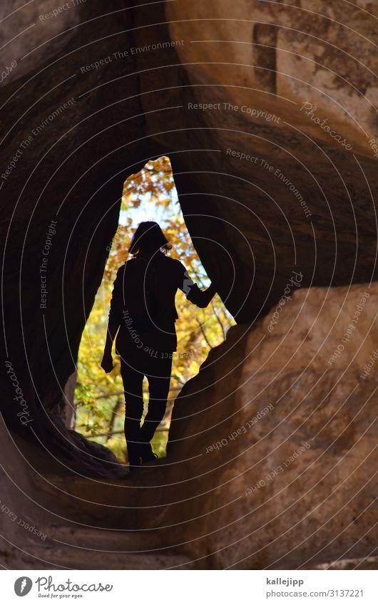 hölenkinder Kind Mensch Natur Jugendliche Landschaft dunkel Herbst Umwelt Wege & Pfade Junge Felsen wandern Abenteuer Fußweg entdecken Bach