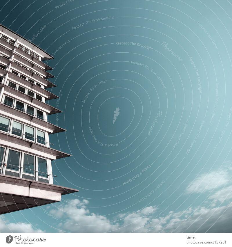 urban   abgehoben Haus Fassade Himmel Hamburg fesnter wolken schönes nasses hochhaus Glas Stein Panorama