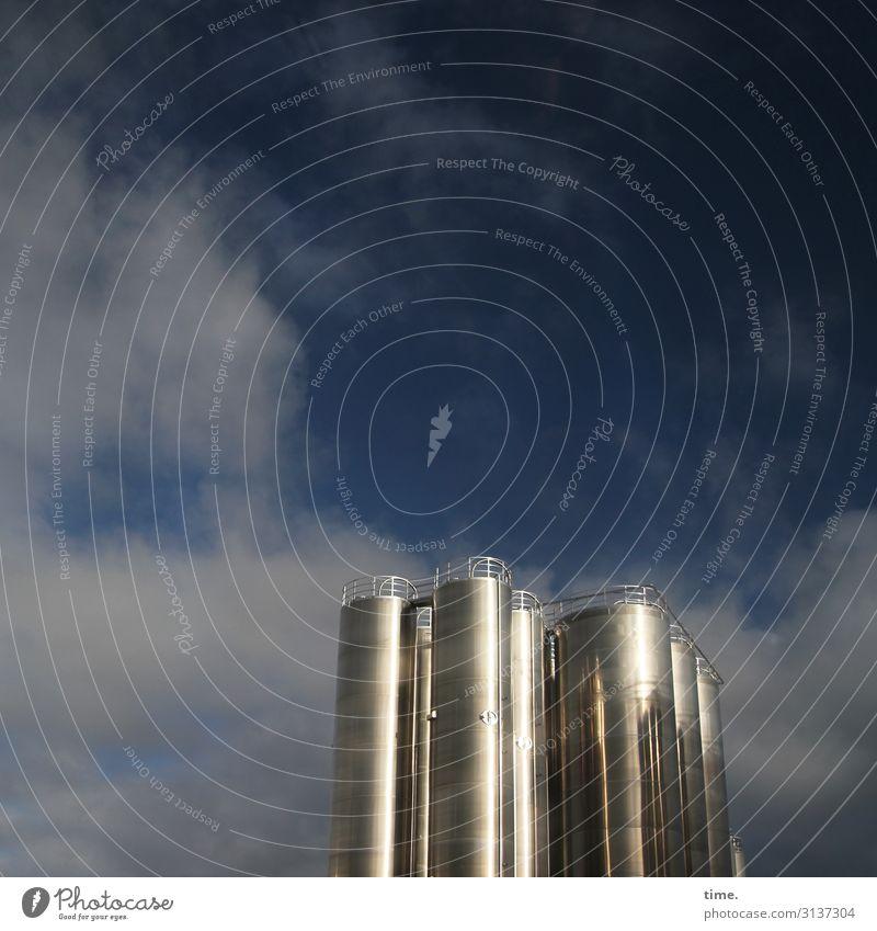 glänzende Geschäfte Arbeit & Erwerbstätigkeit Arbeitsplatz Industrie Energiewirtschaft Technik & Technologie Himmel Wolken Schönes Wetter Industrieanlage Fabrik