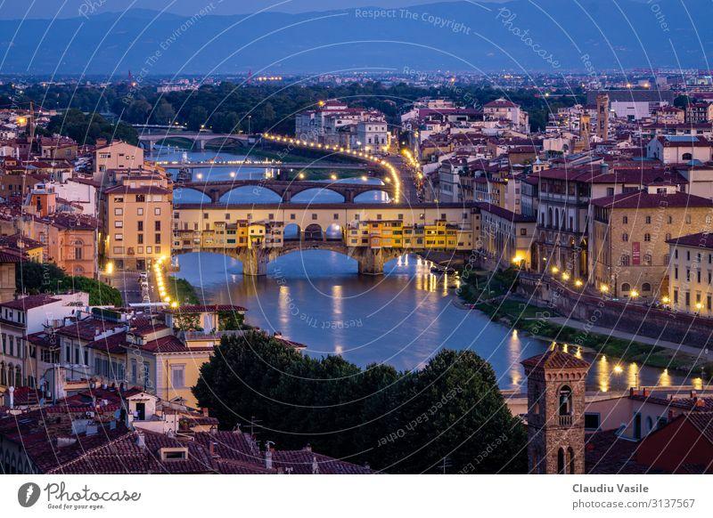 Ponte Vecchio im Morgengrauen Florenz Italien Europa Stadt Stadtzentrum Altstadt Brücke Bauwerk Architektur Ferien & Urlaub & Reisen ästhetisch Kunst Tourismus