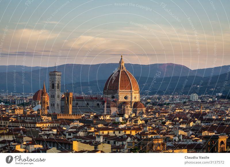 Florenz Kathedrale bei Sonnenaufgang Italien Europa Stadt Stadtzentrum Altstadt Dom Sehenswürdigkeit Wahrzeichen Denkmal Kathedrale Santa Maria del Fiore