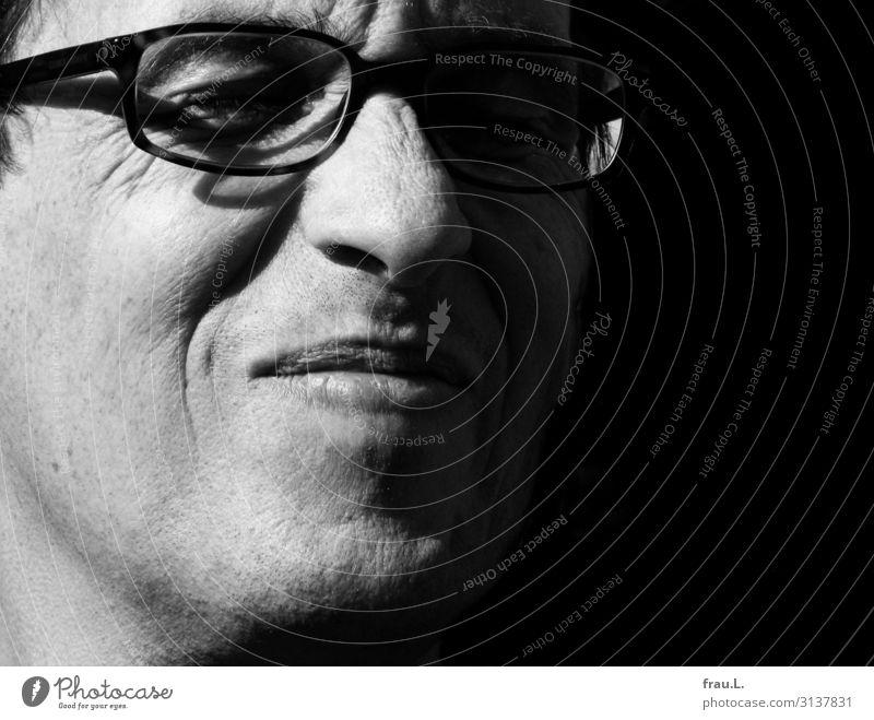Freude Wohlgefühl Zufriedenheit Mensch maskulin Mann Erwachsene Gesicht 1 45-60 Jahre genießen Lächeln Fröhlichkeit Glück schön Brille Hautfalten Sonne
