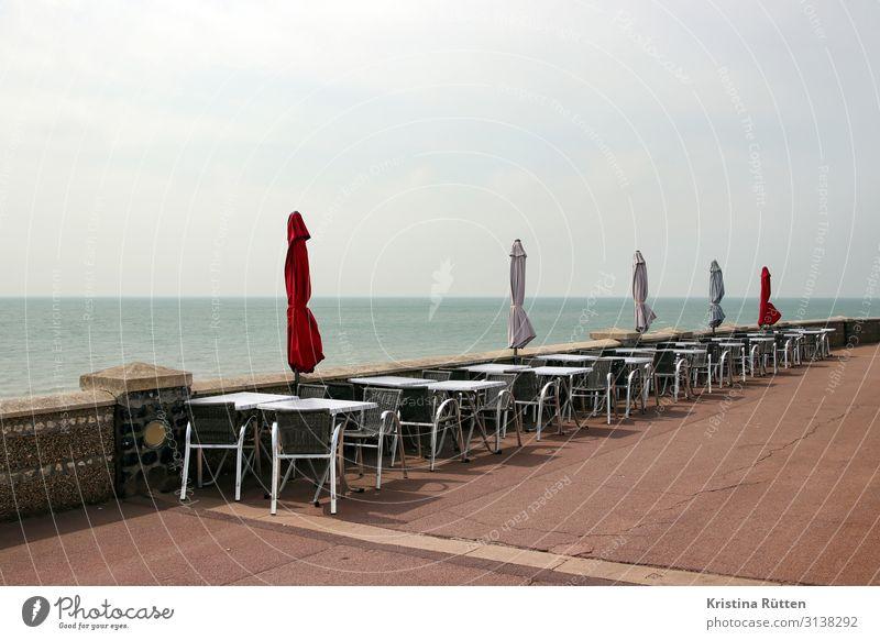 leere terrasse am meer Ferien & Urlaub & Reisen Tourismus Strand Meer Stuhl Tisch Restaurant Strandbar Gastronomie Wasser Horizont Küste See Le Havre Frankreich