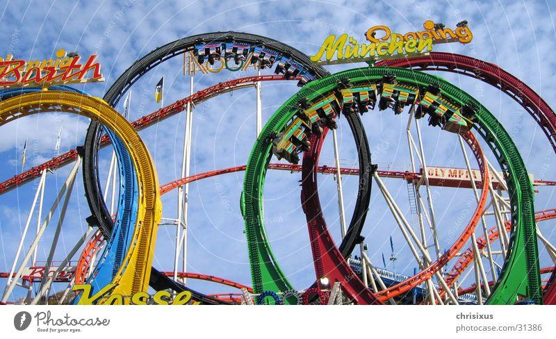 kopfüber ins vergnügen... Himmel Angst Freizeit & Hobby hoch Eisenbahn schreien Jahrmarkt Wagen Achterbahn Olympiade