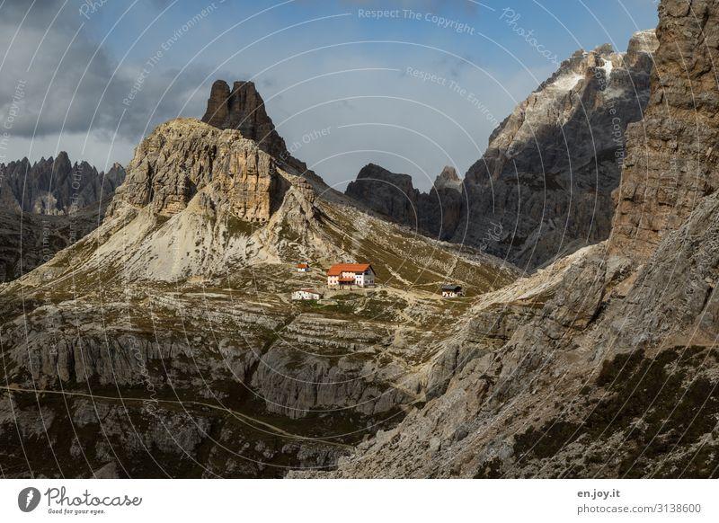 Ziel fast erreicht Ferien & Urlaub & Reisen Tourismus Ausflug Abenteuer Ferne Expedition Berge u. Gebirge wandern Natur Landschaft Felsen Dolomiten Drei Zinnen