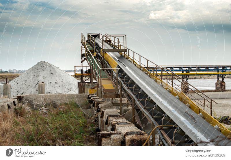 Ausrüstung zur Gewinnung von Salz aus dem Meer Ferien & Urlaub & Reisen Arbeit & Erwerbstätigkeit Fabrik Industrie Maschine Natur Landschaft Himmel See