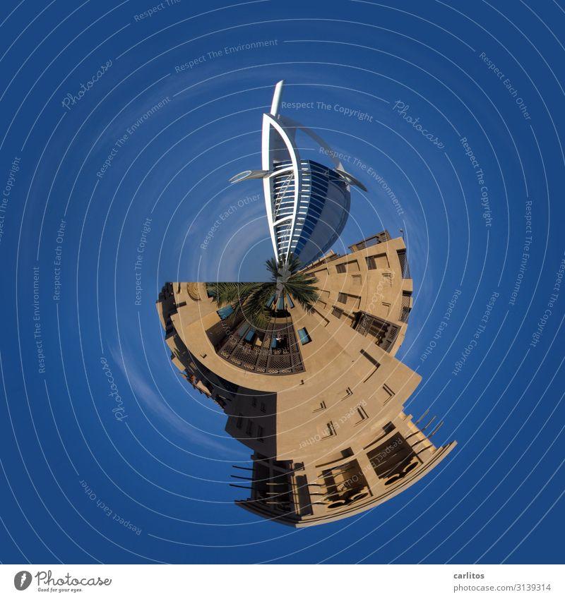 es geht rund auf dieser Welt Burj Al-Arab Hotel Dubai little planet tiny world Vereinigte Arabische Emirate Tourismus blau Weltkugel Erde Planet Hochhaus
