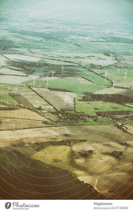 Energiewende 2.0 grün Feld Energiewirtschaft Zukunft Flügel Elektrizität Flugzeug Tragfläche Windkraftanlage Windrad Erneuerbare Energie regenerativ