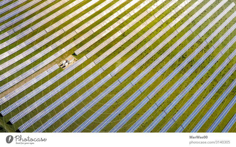 Solar Plant Solarzelle Technik & Technologie Fortschritt Zukunft Energiewirtschaft Erneuerbare Energie Sonnenenergie Solarzellen Stromkraftwerke Elektrizität