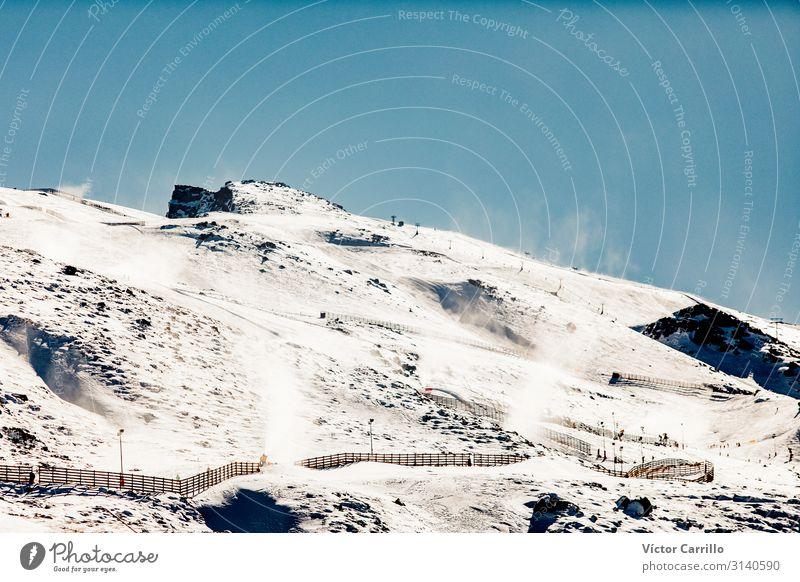 Berggipfel an einem sonnigen Wintertag. Umwelt Natur Landschaft Klima Felsen Berge u. Gebirge Sierra Nevada Gipfel außergewöhnlich fantastisch frisch Gesundheit