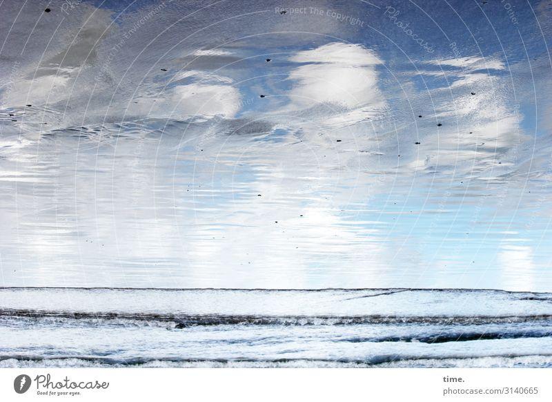 Wolkenbad Umwelt Natur Landschaft Sand Wasser Himmel Schönes Wetter Wellen Küste Strand Meer Bretagne Linie frisch maritim Leben Bewegung Endzeitstimmung