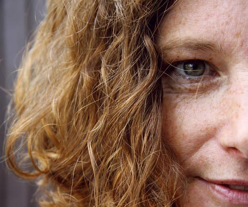 bessere Häfte schön feminin Frau Erwachsene Kopf Gesicht Auge Nase Mund Lippen 1 Mensch Locken Lächeln Glück Zufriedenheit selbstbewußt Optimismus
