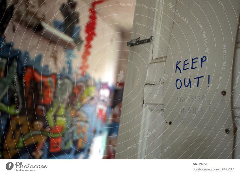 Keep out ! Monster inside ! Lifestyle Häusliches Leben Wohnung Raum Kinderzimmer mehrfarbig Frustration Tür Grafik u. Illustration Graffiti Renovieren verfallen