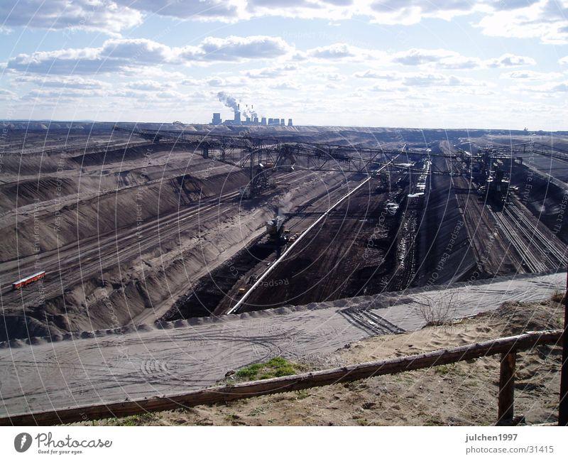 Energieeinblicke Maschine Bergbau Energiewirtschaft Landschaft Mensch Technik & Technologie Stromkraftwerke