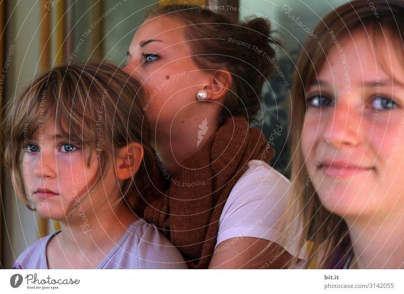Drei Schwestern Spielen Mensch feminin Kind Mädchen Junge Frau Jugendliche Geschwister Familie & Verwandtschaft Freundschaft Kindheit Kopf Blick träumen