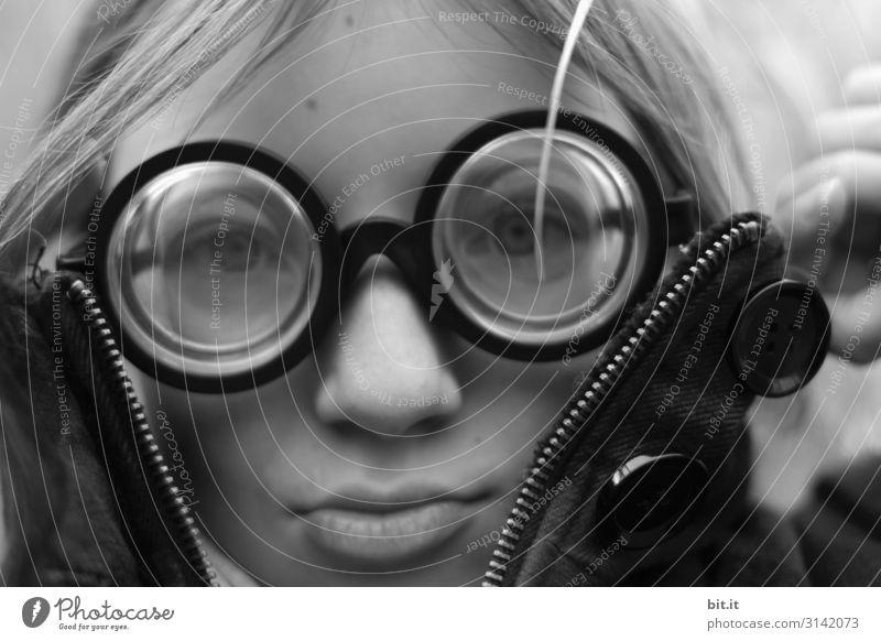 Panzerknackers Junior ll Mensch feminin Kind Mädchen Kindheit trendy lustig verrückt Hornbrille Brille Brillenschlange Brillenträger Psychoterror