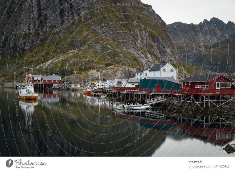 mein Haus, mein Boot... Ferien & Urlaub & Reisen Tourismus Ausflug Abenteuer Natur Landschaft Felsen Berge u. Gebirge Fjord Hamnöy Reine Norwegen Lofoten