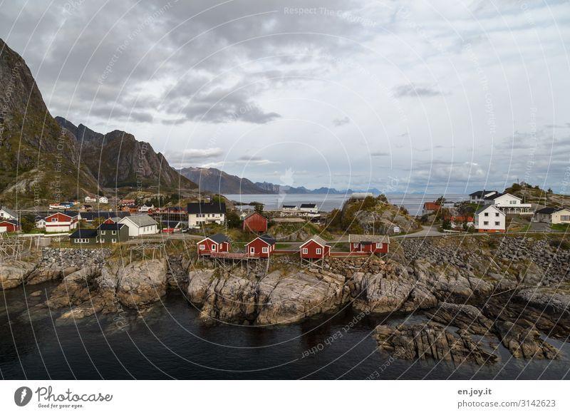 Wohnlandschaft Ferien & Urlaub & Reisen Tourismus Insel Umwelt Natur Landschaft Himmel Felsen Berge u. Gebirge Fjord Meer Hamnøy Reine Monskenesøya Lofoten