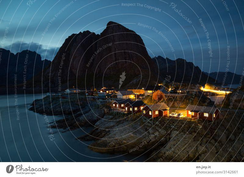 Herzensplatz Ferien & Urlaub & Reisen Tourismus Ausflug Abenteuer Umwelt Natur Landschaft Nachthimmel Felsen Berge u. Gebirge Fjord Insel Hamnøy Hamnöy