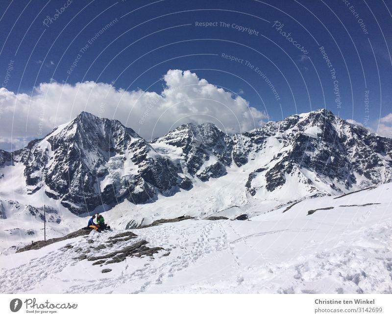 Blick auf die verschneiten Gipfel von Ortler und Königsspitze in Südtirol Winterurlaub Berge u. Gebirge Schneebedeckte Gipfel Alpen Sulden Sulden am Ortler