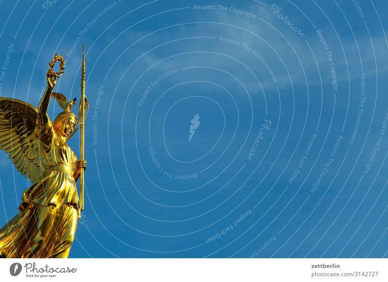 Siegessäule mit Textfreiraum Denkmal else Goldelse viktoria großer stern Tiergarten Berlin-Mitte Deutschland Verkehr Figur gold Hauptstadt Wahrzeichen