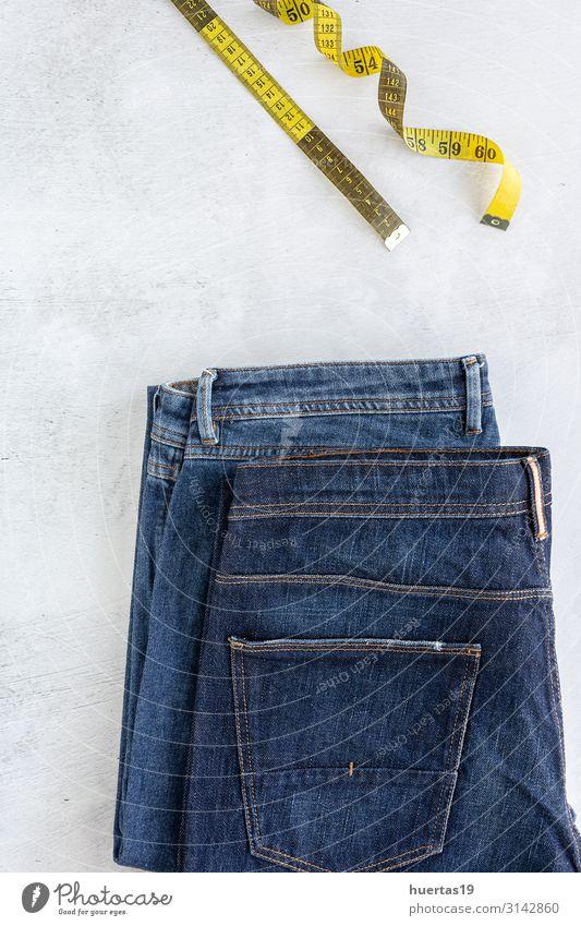 Accessoires-Set Modekleidung von oben gesehen, Draufsicht Lifestyle kaufen elegant Stil Design Industrie Bekleidung Hemd Hose Jeanshose Kleid Schal Sammlung