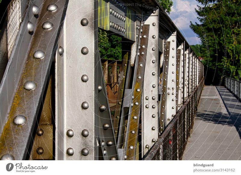 HEAVY METAL Ausflug Sommer Sigmaringen Menschenleer Brücke Schienenverkehr Gleise Stein Beton Metall braun mehrfarbig Bahnbrücke Fußweg Geländer Niete Bolzen