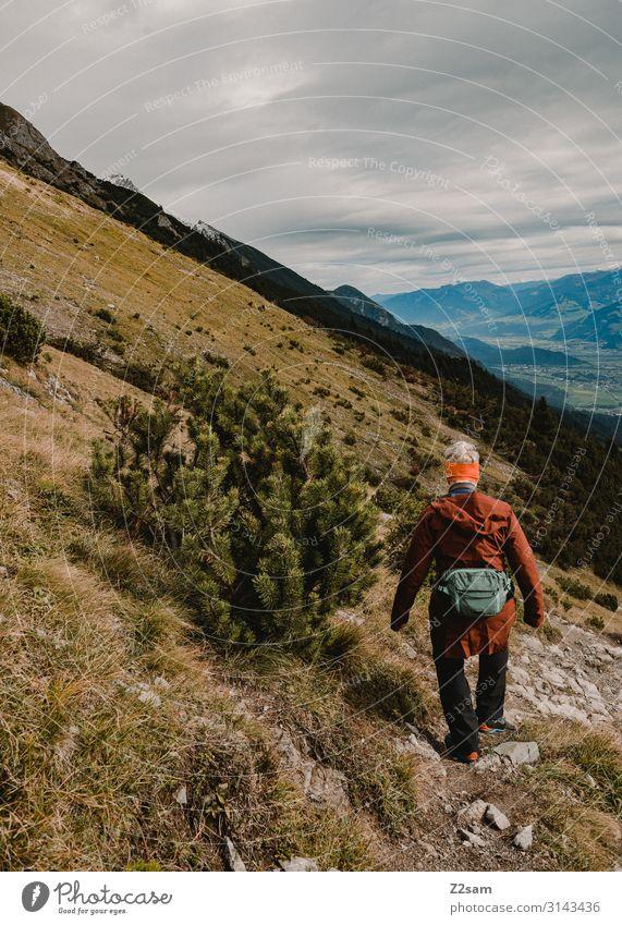 Wandern auf der Nordkette   Innsbruck Freizeit & Hobby Ferien & Urlaub & Reisen Ausflug Berge u. Gebirge wandern Junge Frau Jugendliche Natur Landschaft Herbst