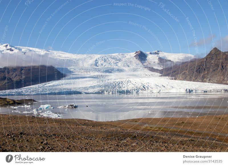 Glacier lake in Iceland Snow-covered Ferien & Urlaub & Reisen Winter Natur Wasser Schönes Wetter Eis Frost Schnee Park Gletscher Bekanntheit fantastisch kalt