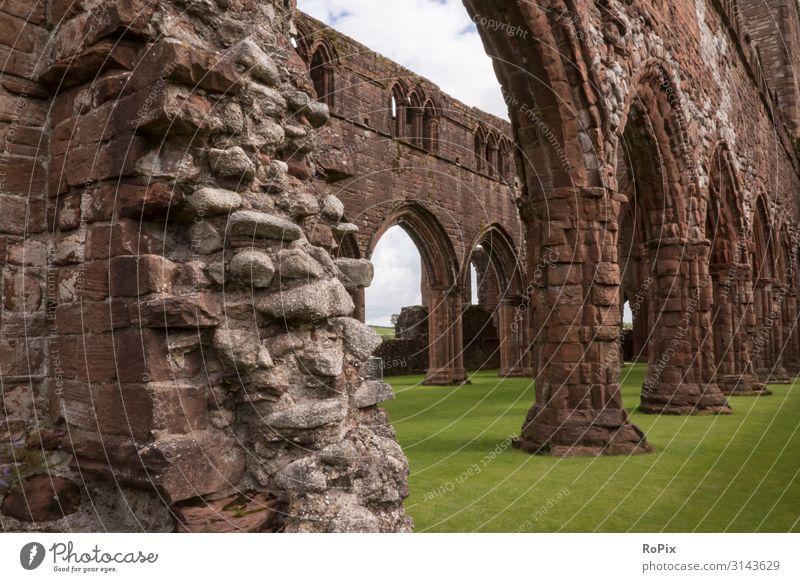 Sweetheart Abbey in der Nähe von Dumfries. Schottland scotland Kloster Kirche Klosterkirche Ruine Gebäude Architektur Glaube sakral Sakralbau church Friedhof