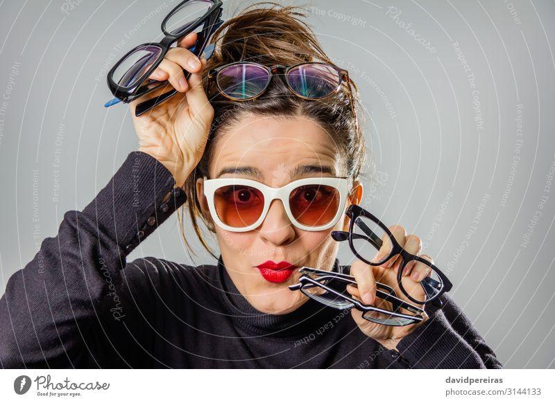 Frau Mensch schön weiß rot Erotik Freude schwarz Gesicht Erwachsene natürlich lustig Glück Mode Haare & Frisuren grau