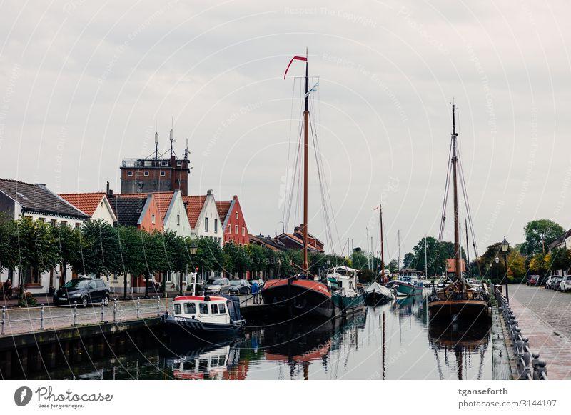 Hafen in Weener Ferien & Urlaub & Reisen Tourismus Ausflug Ferne Sightseeing Städtereise Wirtschaft Ostfriesland Dorf Fischerdorf Kleinstadt Hafenstadt